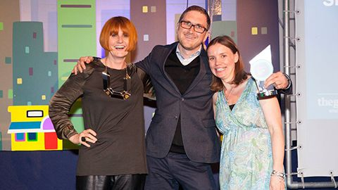 Simon Hill receiving his Guardian Small Business Leader of the Year from Mary Portas